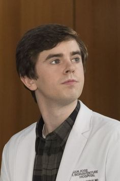 Shaun Murphy, but thankfully, the wait for The Good Doctor season two is almost over. Good Doctor Season 2, Good Doctor Series, Antonia Thomas, Ryan Thomas, Tv Series 2017, Drama Tv Series, Freddie Highmore Bates Motel, The Good Dr, Jasika Nicole