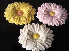 落雁     rakugan Japanese Cake, Japanese Colors, Japanese Flowers, Japanese Sweets, Japanese Food, Japanese Chrysanthemum, Candle Art, Diy Hair Accessories, Edible Art