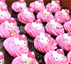 cupcakes hello kitty and like OMG! get some yourself some pawtastic adorable cat apparel! Bolo Da Hello Kitty, Hello Kitty House, Hello Kitty Cupcakes, Hello Kitty Birthday, Pink Cupcakes, Yummy Cupcakes, Cupcake Cakes, Ladybug Cupcakes, Snowman Cupcakes