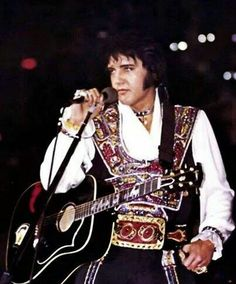 Elvis had some minor cosmetic surgery performed shortly after news of Priscilla and Mike stones break up 1975; He looks great !!!