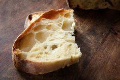 Pane di semola con lievito madre: una lavorazione non semplicissima, a meno che non si abbia dimestichezza con questa lievitazione, ma di grande soddisfazione