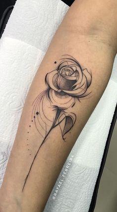 40 feminine rose tattoos for you to get inspired – Photos and Tattoos - tatoo feminina Mini Tattoos, Rose Tattoos, Flower Tattoos, Body Art Tattoos, New Tattoos, Small Tattoos, Sleeve Tattoos, Tatoos, Lotusblume Tattoo