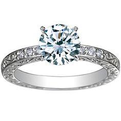 Dieser Ring im antiken Stil von Brilliant Earth ($975) ist aus recyceltem, weißen Gold hergestellt und die Diamanten sind aus konfliktfreiem Handel.
