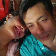 selfie lovers: Salman Khan & Jacqueline Fernandez Selfie