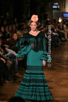 Hand Embroidery, Flamenco Dresses, Andalusia, Chic, My Style, Spanish, Inspiration, Outfits, Fashion