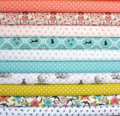 Please re-pin for me as part of the Fresh Squeezed Fabrics promotion!   Maman ORGANIC fat-quarter bundle--10 pieces (2-1/2 yards total), Cloud 9 Fabrics. $41.25, via Etsy.