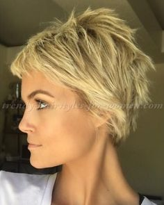 pixie+cut,+pixie+haircut,+cropped+pixie+-+short+messy+hairstyle