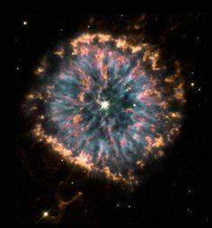 Hubble captures Planetary Nebula NGC 6751