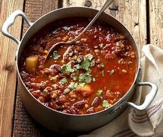 Chili con Carne | Betty Bossi Food Design, Chow Chow, Dinner Recipes, Soup, Beef, Tortillas, Cooking, Chili Recipes, Chili Con Carne