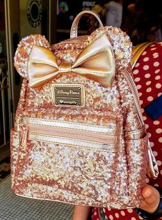 Giveaway: Rose Gold Backpack from Disneyland Cute Mini Backpacks, Gold Backpacks, Disney World Merchandise, Girls Boutique Dresses, Minnie Mouse Backpack, Rose Gold Aesthetic, Disney Purse, Disney Souvenirs, Disneyland Shirts