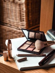 Faves from Charlotte Tilbury is part of Amazing wedding makeup - My top makeup products from Charlotte Tilbury These are the products you need in your makeup collection for both day to night wear Contour Makeup, Beauty Makeup, Eye Makeup, Drugstore Makeup, Sephora Makeup, Makeup Set, Beauty Desk, Dark Makeup, Makeup Style