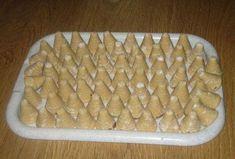 Bílá vosí hnízda (marcipánová chuť) Christmas Cookies, Macaroni And Cheese, Goodies, Food And Drink, Baking, Ethnic Recipes, Sweet, Fours, Cakes
