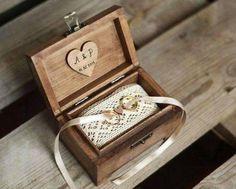 Il cuscino porta-fedi: un oggetto indispensabile per lo scambio degli anelli