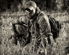 The Hunter- Camo Photography Hunting Senior Pictures, Senior Pictures Sports, Senior Photos, Senior Portraits, Love Photos, Pretty Pictures, Art Pictures, Camo Photography, Photography Ideas