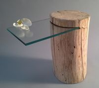 table de chevet en bois flotté   #Bois #chevet #de #en #flotté #table Table Beton, Wood Table, Wood Crafts, Diy Crafts, Bench Furniture, Architecture Design, New Homes, Woodworking, Interior Design