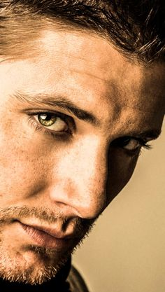 "Jensen Ackles -- my favorite of the two Winchester brothers from the show ""Supernatural"" <swoons> Supernatural Series, Jensen Ackles Supernatural, Castiel, Winchester Supernatural, Jensen Ackles Eyes, Supernatural Bunker, Jensen Ackles Family, Supernatural Seasons, Winchester Boys"
