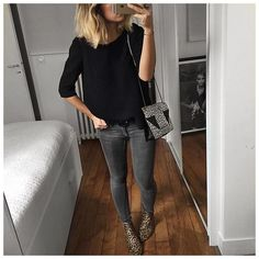 Nothing to Wear? These Easy Outfit Ideas Prove Otherwise A Black Sweater, Dark-Wash Jeans, and Leopard Booties Faded Black Jeans, Dark Wash Jeans, Black Skinnies, Grey Jeans Outfit, Black Sweater Outfit, Chunky Cardigan Outfit, Simple Outfits, Casual Outfits, Look Fashion