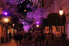 Salerno, Luci d'Artista Corso  www.livesalerno.com  #lucidartista #lucidartista2015 #salerno #luminarie #luminariesalerno #lucidartistasalerno #mercatinidinatale #christmas #christmasmarket #Natale