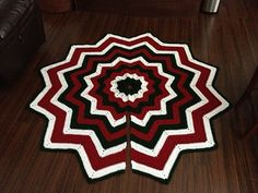 Ravelry: Project Gallery for Free SmoothFox's Christmas Tree Skirt pattern by Donna Mason-Svara