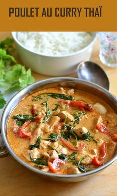 With this flavorful Thai curry chicken recipe, o .- With this recipe of Thai curry chicken full of flavors, we were more than delighted and we really believed in the restaurant! It is a simple Thai recipe for curry chicken, but well flavored and tasty. Curry Recipes, Asian Recipes, Healthy Recipes, Ethnic Recipes, Batch Cooking, Cooking Recipes, Pastry Recipes, Marinated Chicken Recipes, Thai Curry