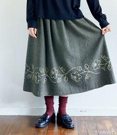 60代&70代におすすめ!おしゃれな秋の手作り大人服の作り方7選 | ぬくもり Mori Fashion, Fashion Wear, Modest Fashion, Fashion Outfits, Womens Fashion, Applique Embroidery Designs, Diy Embroidery, Mori Mode, Embroidery On Clothes