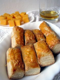 Mézes finomságok...: Sajtos rudak cheddar sajttal