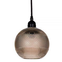 Met deze hanglamp van Clayre& Eef breng jij in een handomdraai sfeer in je interieur.