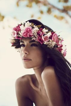 Flower Garland / Tahitian Dreaming Editorial. (PS Follow The LANE on instagram: the_lane)