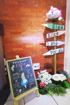 placa entrada alice Princess Birthday, Princess Party, Girl Birthday, Alice In Wonderland Diy, Mad Hatter Tea, Holidays And Events, Party Time, Tea Party, Maria Alice