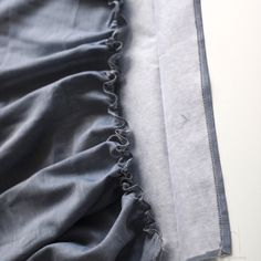 DIY la jupe froncée - Les Tissus du Chien Vert Techniques Couture, Chain, Tips, Crafts, Fashion, Dressmaking, Couture Skirts, Couture Facile, Types Of Skirts