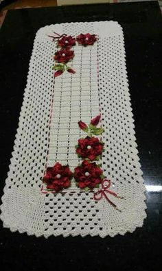 Crochet Kitchen, Crochet Home, Crochet Motif, Crochet Designs, Crochet Doilies, Crochet Flowers, Free Crochet, Knit Crochet, Crochet Table Runner Pattern