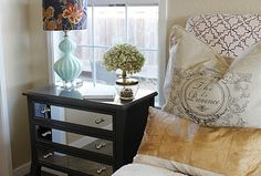 diy mirrored table.