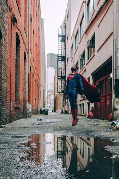 superheroesincolor: Superman by Jonathan. Superman Artwork, Superman Movies, Val Zod, Black Superman, Superman Cosplay, Rules Of Engagement, Levitation Photography, Clark Kent, Smallville