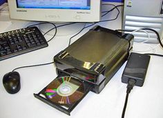 A couple of extra light sensors turn an everyday CD drive it into a cheap, portable, chemical scanner that could replace larger, more expensive machines Science Projects, Projects To Try, Lab Equipment, Diy Electronics, Biotechnology, Arduino, Diy Things, Microbiology, Chemistry