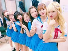 """wm_ohmygirl: OH MY GIRL in Taiwan 💕 #OHMYGIRL #오마이걸 #OMG #Taiwan #臺灣 #daily #일상 #스쿨룩 #hello"""
