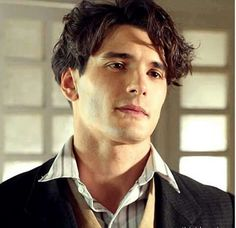 Images, pictures, videos, gifs and screencaptures of Yon Gonzalez, Yon González in Grand Hotel Serie Velvet, Beautiful Men, Beautiful People, Grande Hotel, Spanish Men, Cinema, Story Characters, Ex Girlfriends, Attractive Men