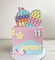 Superhero Birthday Cake, Frozen Themed Birthday Party, Birthday Cake Pops, 11th Birthday, Birthday Party Themes, Fidget Spinner Cakes, Pop It Toy, Cake Decorating Techniques, Fidget Toys