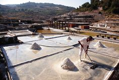 Not an ordinary SALT, Salinas de Añana worth a visit and taste! A futur listed Unesco Patrimony! - Spain