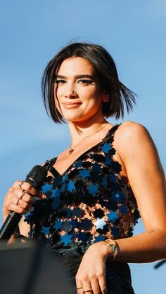 Dua Lipa performs at the 2018 iHeartRadio Music Festival Daytime Stage on September 2018 in Las Vegas, Nevada Nelly Furtado, Handsome Celebrities, Beautiful Celebrities, Christina Aguilera, Sylvia Young, Music Artists, Most Beautiful, Singer, Women