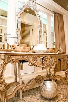Ornate glam bathroom in Hout Bay Manor's Pure Restaurant! Check out those basins! Basins, Beautiful Bathrooms, Ladies Day, Celebrity Weddings, Master Bath, Interior Inspiration, Entryway Tables, Most Beautiful, Houses