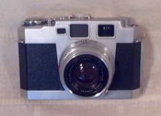 Aires 35 III Rangefinder Camera w/ Seikosha MX Coral Lens F= 4.5 Cm #rarecamera #camera #vintagecamera #retrocamera #oldcamera #cameracollection Rangefinder Camera, Retro Camera, Zeiss, Vintage Cameras, Fujifilm Instax Mini, Coral