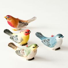 Looking for our artistic colorful bird ornaments? Love birds --- need some Christmas Tree OrnamenTs / Imagine you can have both with this wonderful set of Wooden Bird tree ornaments. Clay Birds, Ceramic Birds, Ceramic Animals, Pet Birds, Bird Christmas Ornaments, Christmas Tree, Pottery Painting Designs, Charm Quilt, Wood Bird