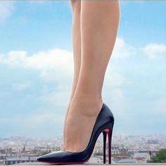 Tacchi Close-Up Louboutin High Heels, Black Stiletto Heels, High Heels Stilettos, High Heel Boots, Shoes Heels, Beautiful High Heels, Stockings Heels, Prom Heels, Spike Heels