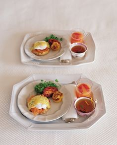 This is a variation on traditional Eggs Benedict. Toast crumpets or English muffins, with the cut side up, under the broiler for two to three minutes.