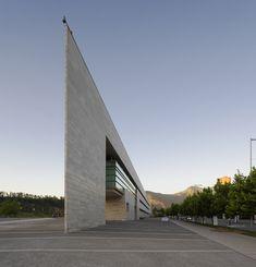 Municipalidad de Vitacura / Iglesis Prat Arquitectos Municipalidad de Vitacura / Iglesis Prat Arquitectos – Plataforma Arquitectura