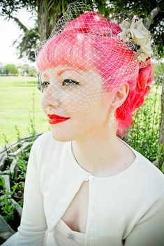 pink rockabilly wedding hair (the flower & the veil make it just perfect)