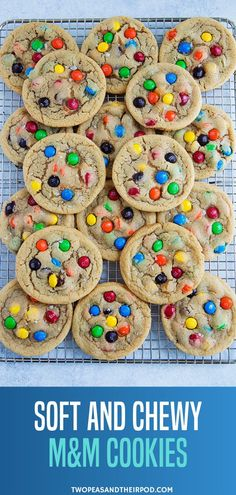 Kids and adults love these soft, chewy, and colorful M&M Cookies! This is the BEST M&M Cookie recipe, guaranteed to be a family favorite! Chocolate Marshmallow Cookies, Chocolate Chip Shortbread Cookies, Toffee Cookies, Chocolate Candies, M&m Chocolate Chip Cookie Recipe, M M Cookies, Yummy Cookies, Cookies Et Biscuits, Recipe For M&m Cookies