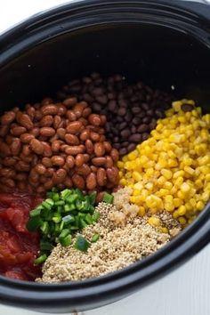 Crockpot Vegan Southwestern Quinoa - 5 minutes prep / dump & go! Crockpot Quinoa, Vegan Crockpot Recipes, Slow Cooker Recipes, Gourmet Recipes, Cooking Recipes, Slow Cooker Quinoa, Crockpot Meals, Breakfast Crockpot, Healthy Slow Cooker