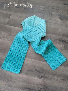 Green Meadows Crochet Scarf Pattern – Free Pattern by – Mundo de ganchillo Diy Crochet Scarf, Crochet Beanie Pattern, Crochet Scarves, Free Crochet Scarf Patterns, Poncho Patterns, Crochet Headbands, Crochet Cowls, Knit Cowl, Crochet Bags