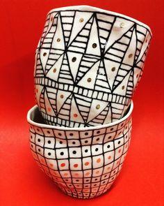 Suzanne Sullivan Ceramics, Black And White Dishes, Vases, Ceramic Art, Tea Pots, Textiles, Carving, Tableware, Pattern